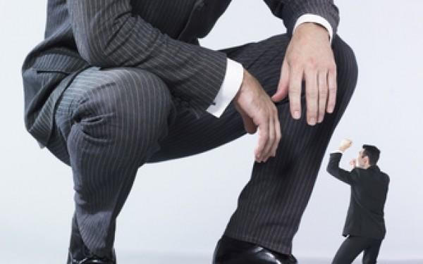 Почему и как нужно ставить на место зарвавшихся чиновников