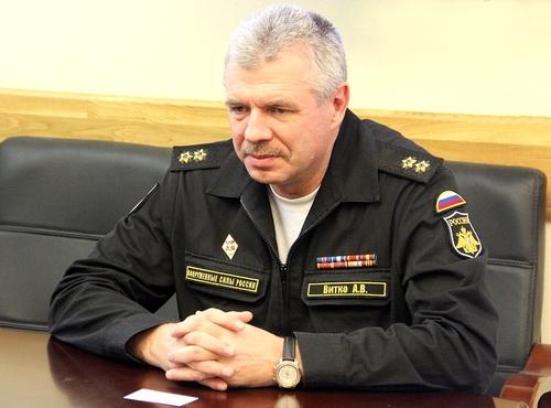 Перед выборами губернатора Севастополя командующий ЧФ Витко резко полюбил Овсянникова. Что дальше?