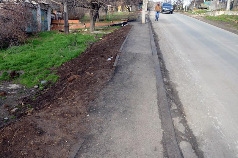 trotuar-po-ulitse-nekrasova-v-sevastopole001