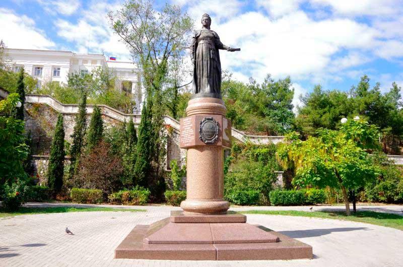 27 апреля севастопольские предприниматели проведут митинг у памятника Екатерине II. Почему не на площади Нахимова?