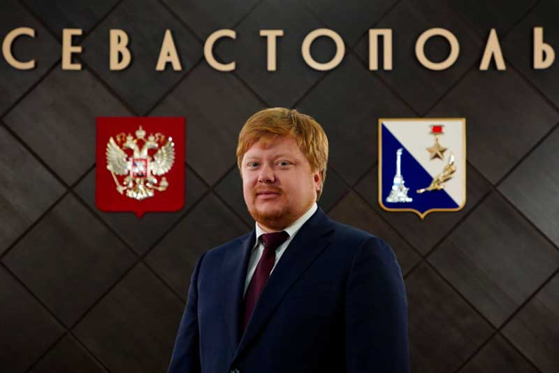 Почему и.о. вице-губернатора Иван Кусов, курирующий здравоохранение в Севастополе, скрыл, что до появления в городе возглавлялООО