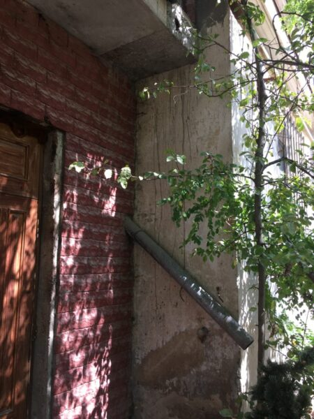 Как врио Губернатора Развожаев поступит с сомнительной пристройкой к дому №33 на улице Большая Морская, в нарушение закона возведенной возле высоковольтной ТП-38?